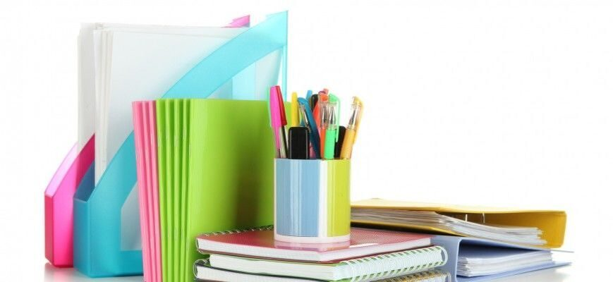 nursing-school-supplies-paper-binders-notepads-pens-e1374127179590-870x400